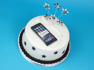 iphone cake by Cakey Goodness